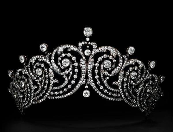 Priceless Cartier Jewellery Exhibition on Display