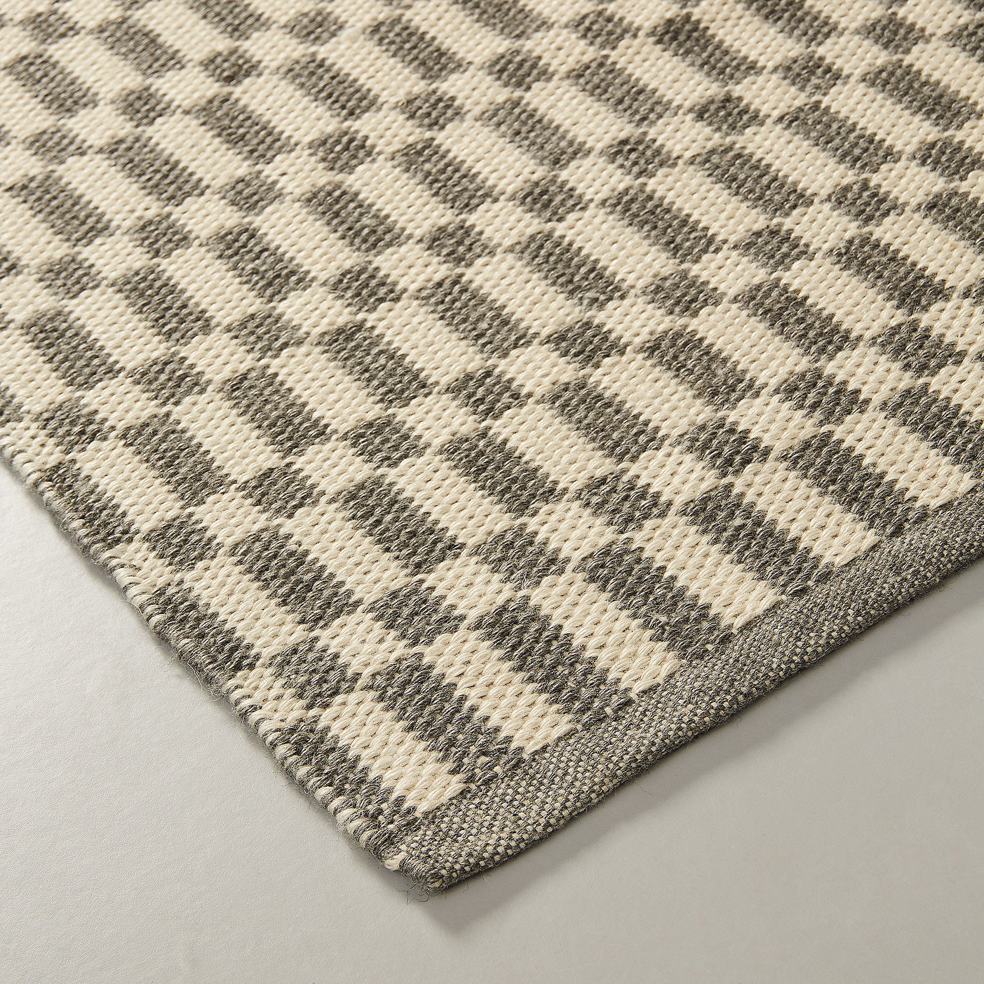 Swarna Rug - Two-tone Grey and Beige Pattern 130 x 190 cm, Rug - Home-Buy Interiors
