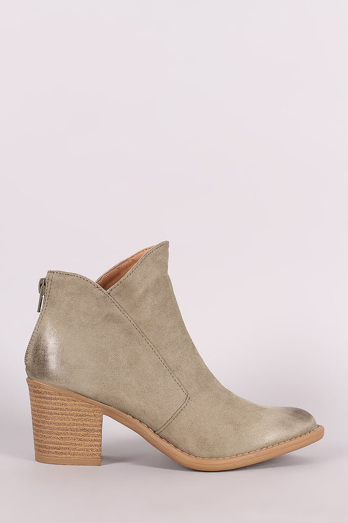 Qupid Oil Finished Almond Toe Chunky Heeled Western Cowgirl Booties