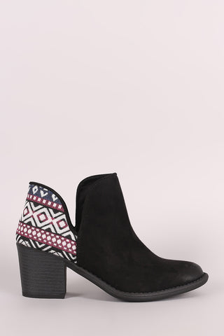 Wild Diva Lounge Embroidered Floral Chunky Heeled Booties