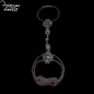 Dvacaman Brand 2017 Fashion Crystal Statement Body Jewelry Women Sexy Rhinestone Choker Necklace Harness Brassiere Jewelry DD28