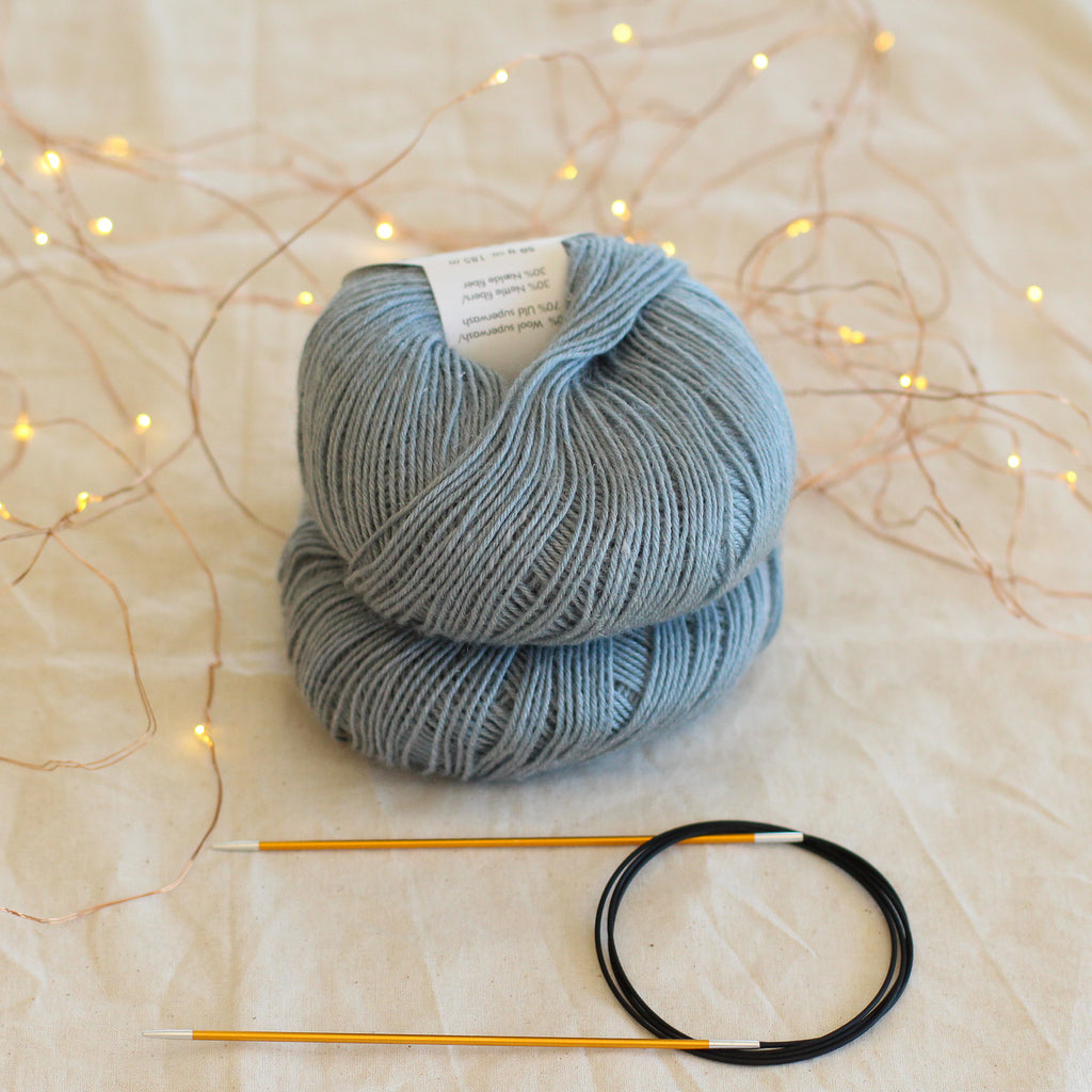 Beginner's Sock Knitting Kit | Solid