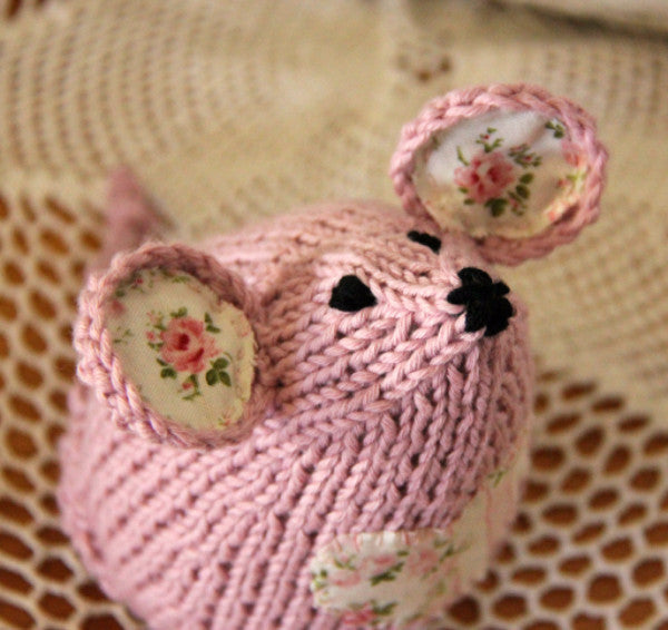 Tea Mouse Knitting Pattern - Say! Little Hen