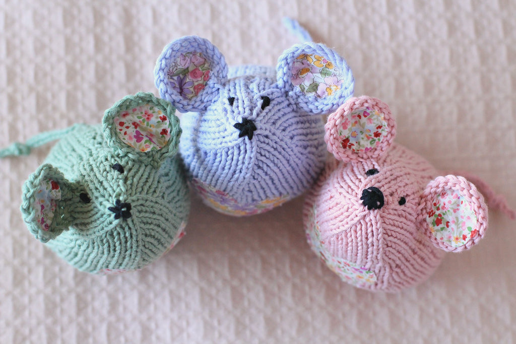 Tea Mouse Knitting Kit | Green Tea