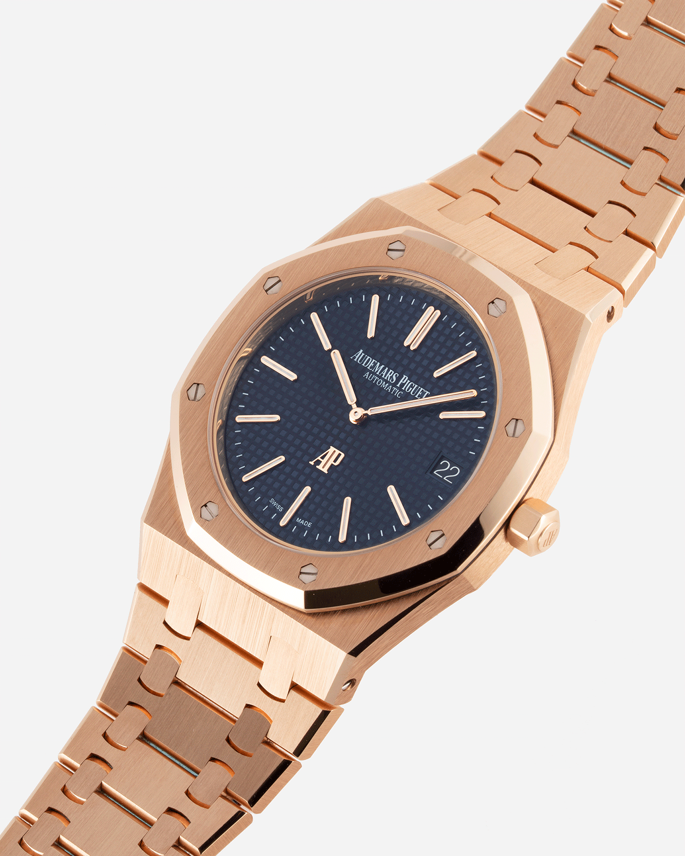 Brand: Audemars Piguet Year: 2019 Model: Royal Oak Reference Number: 15202OR Material:18k Rose Gold Movement: Cal 2121 Case Diameter: 39mm Bracelet: 18k Rose Gold Audemars Piguet Integrated Stainless Steel Bracelet