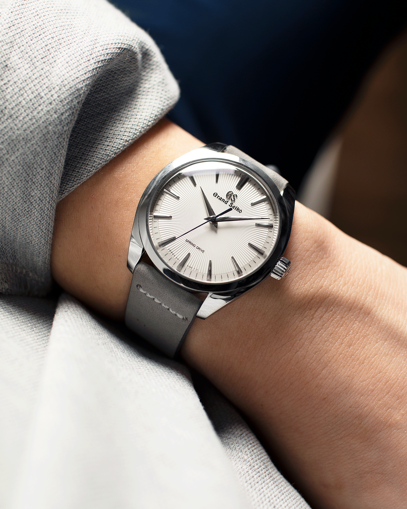 Brand: Grand Seiko Year: 2020 Reference Number: SBGY003 Spring Drive Material: Stainless Steel Movement: Cal 9R31 Case Diameter: 38.5mm Strap: Grey Suede Strap and Original Grand Seiko Black Crocodile Strap with Stainless Steel Deployant