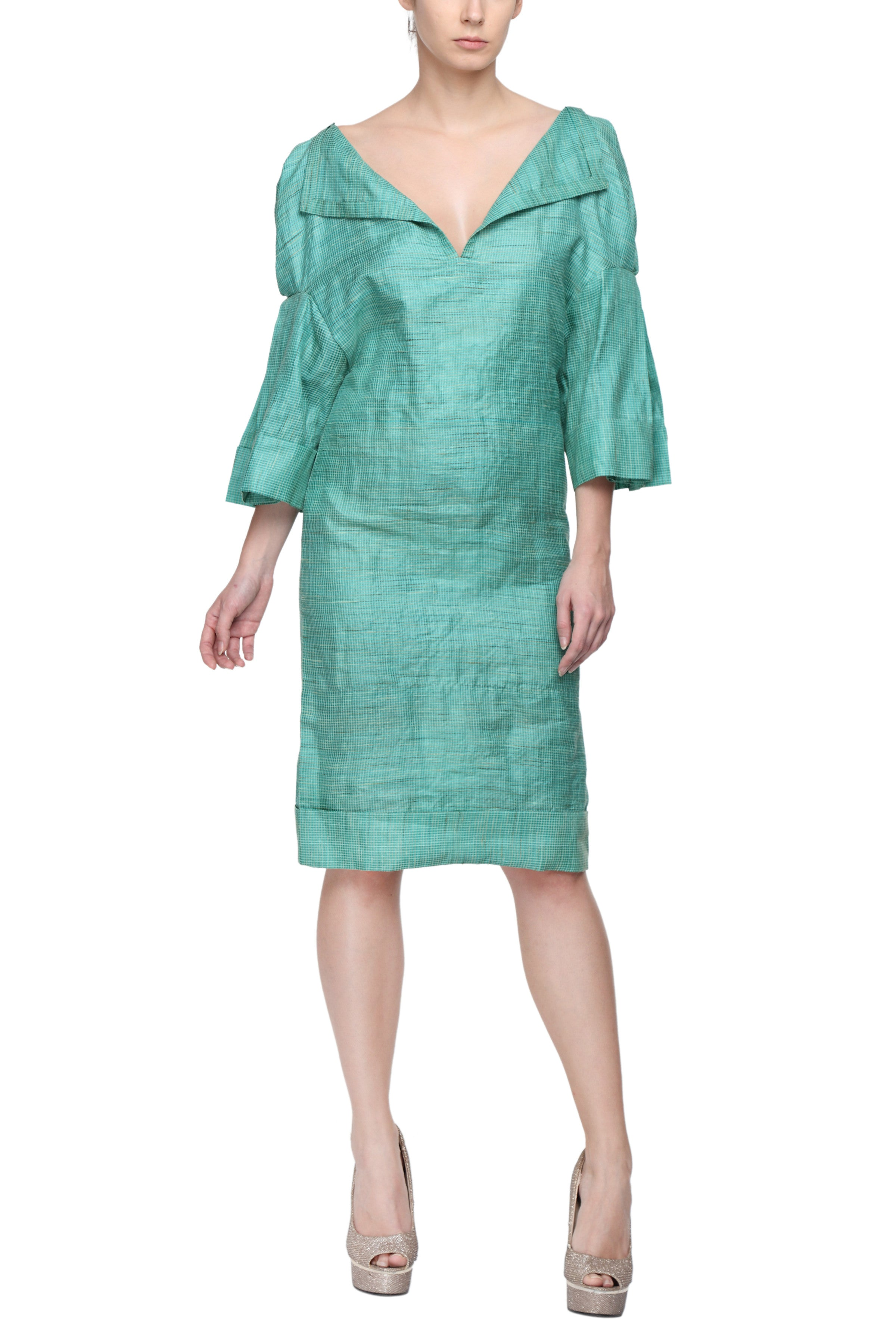 Fitted Dress With Pleated Kimono Sleeves Front 1
