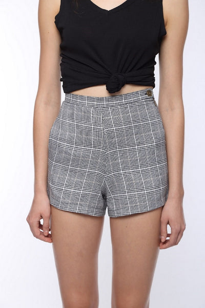 Checked Highwaist Shorts Close Up