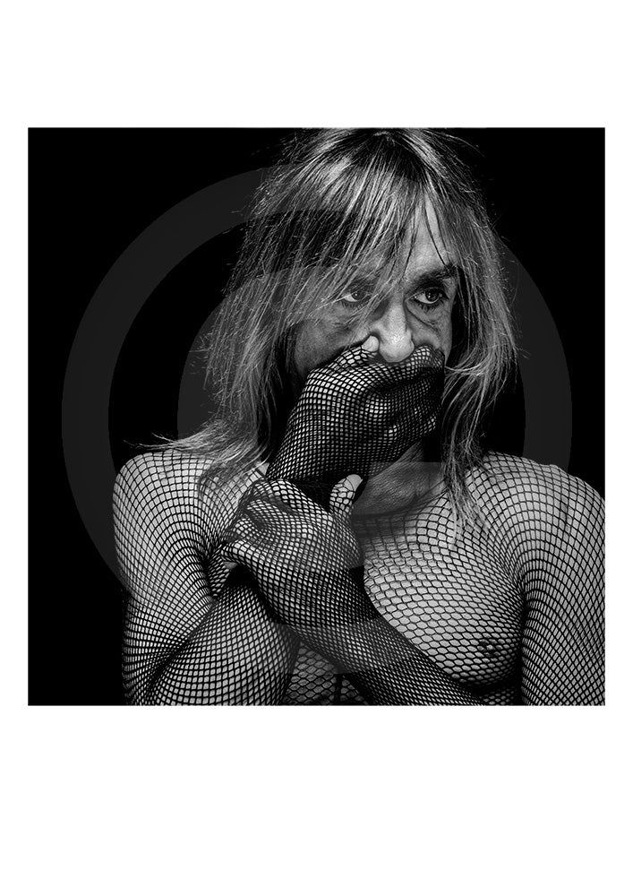 Genuine collectors Limited Edition print of music legend James Newell Osterberg Jr. AKA Iggy Pop by British portrait photographer Gavin Evans. Image shot in Manhattan, 1998.