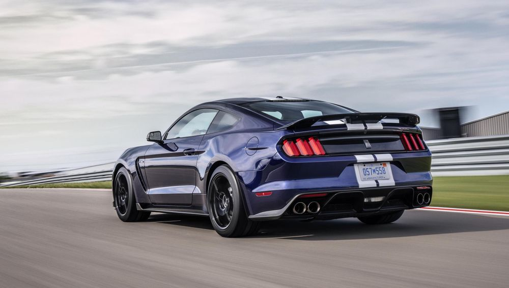 Ford Mustang Shelby GT350R vista posterior
