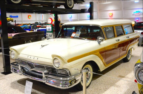 Museo de autos de colleccion muscle cars - Ford Station Wagon 50s