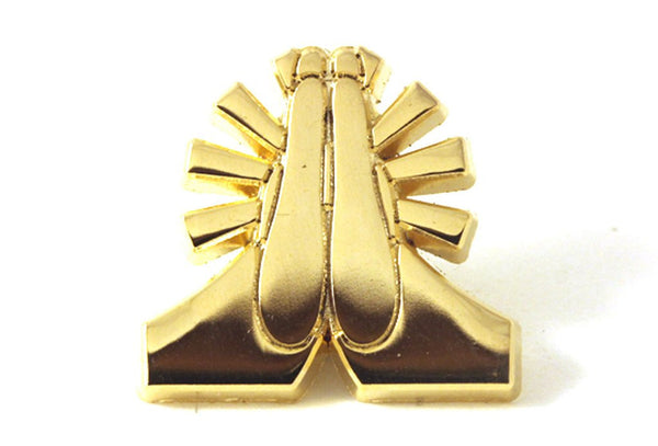 praying hands gold pin