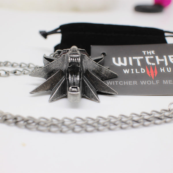 Witcher 3 wolf medallion
