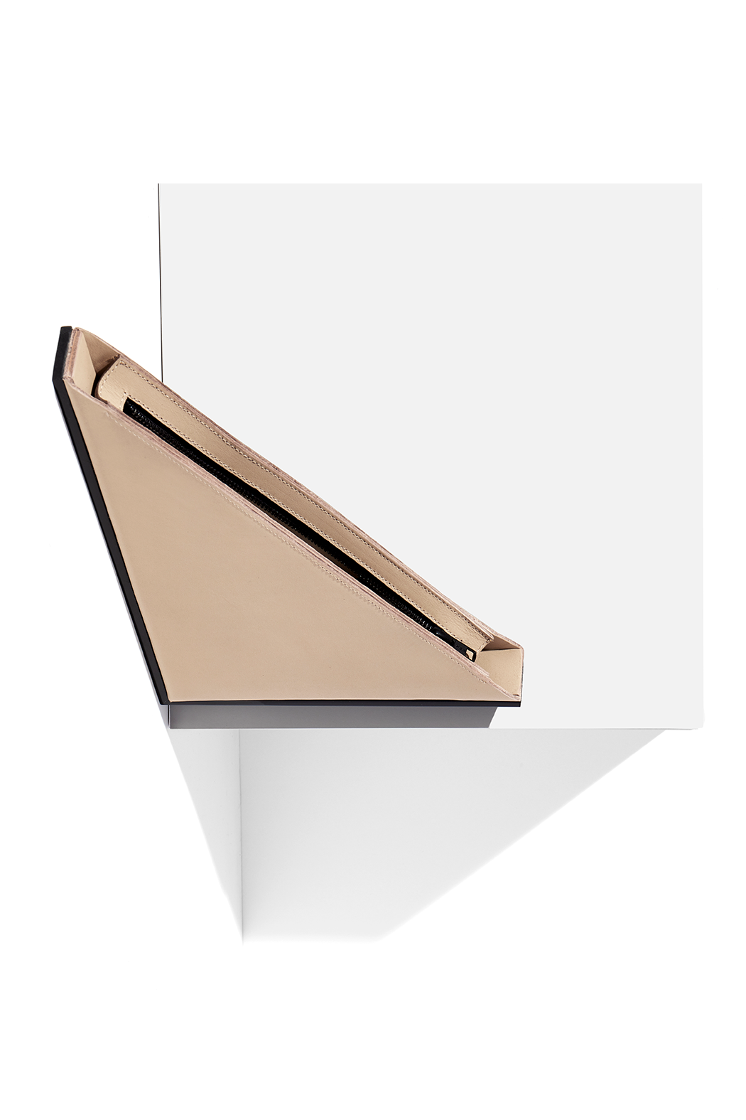 Right Angle Clutch / Beige + Black Gloss