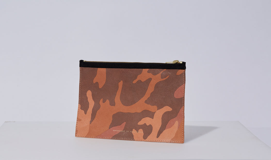 Snap-Out Pouch
