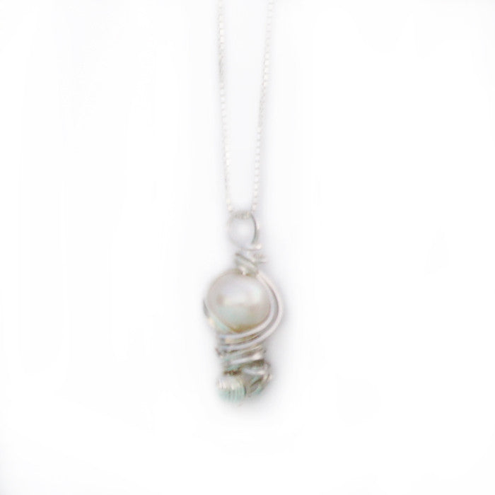 Pearl Essence White Pendant