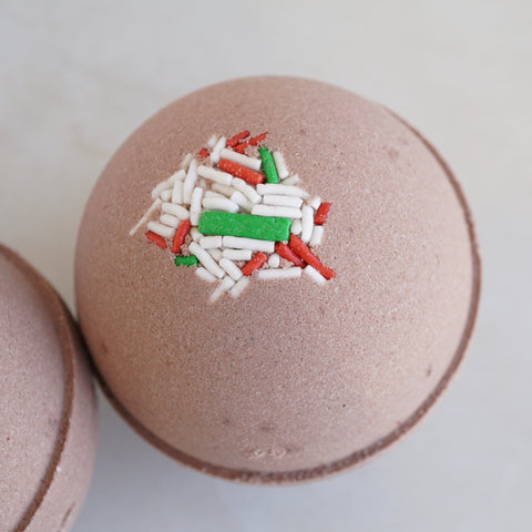LED Light Peppermint Hot Cocoa Vegan Bath Bomb - Water Reactive Flashing LED Light