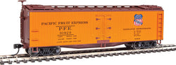 Walthers Mainline 910-41213 HO 40' Early Wood Reefer Car, PFE, 31920