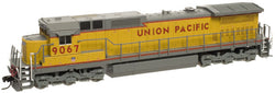 "Atlas 51871 N Dash 8-40C, DCC (Lenz) Union Pacific ""Red Sill Stripe"" #9067"