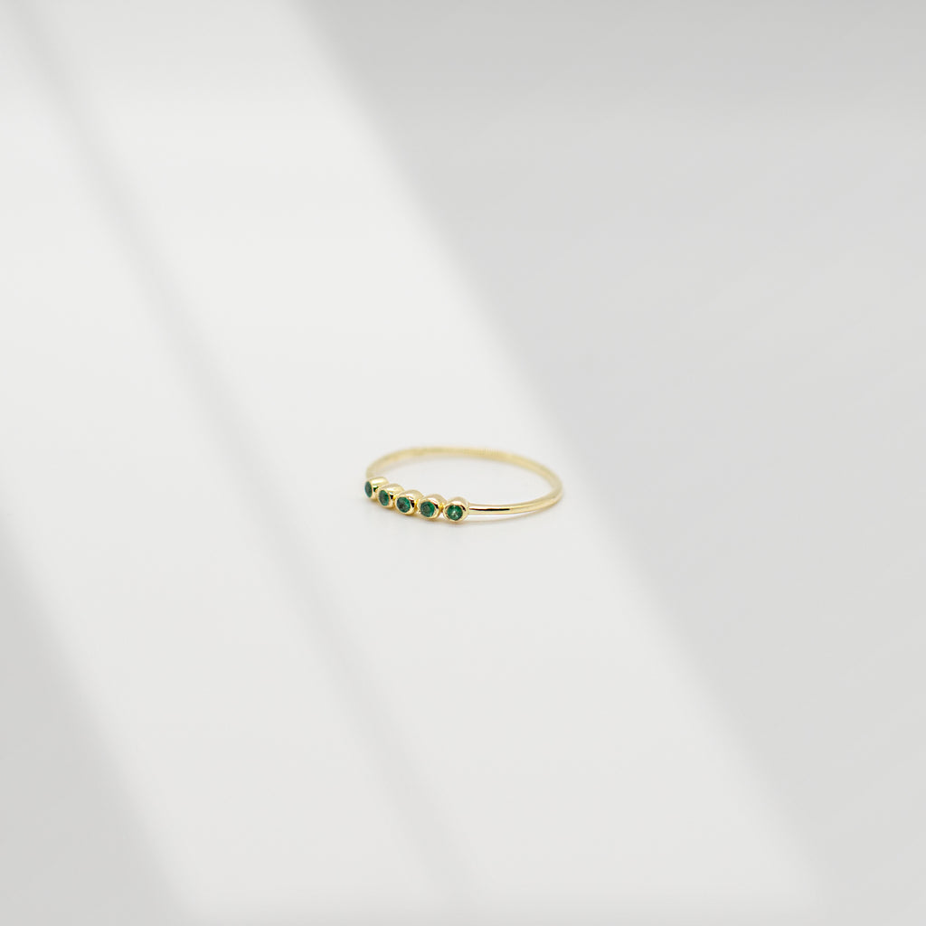Ellipsis Ring | Emerald - She's Unique Jewelry