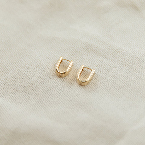 Adley Oval Hoop Earrings | 14K - She's Unique Jewelry