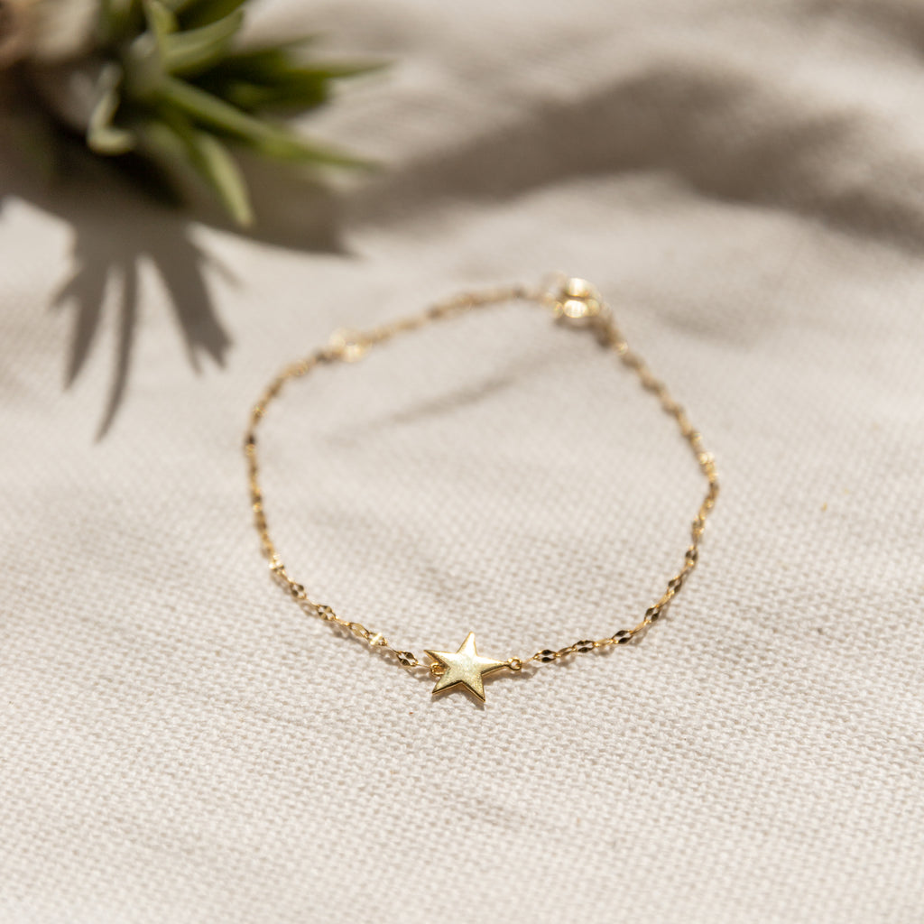 Camari Sparkle Chain Star Bracelet - She's Unique Jewelry