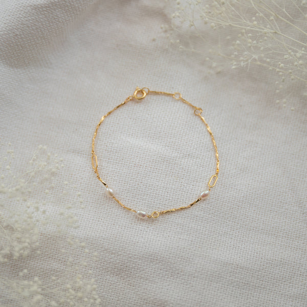 Nora Pearl Bracelet - She's Unique Jewelry