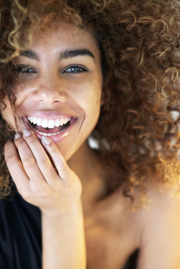 Natural versus chemical teeth whitening treatments - the facts