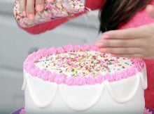 How to Make and Decorate the Perfect Cake!