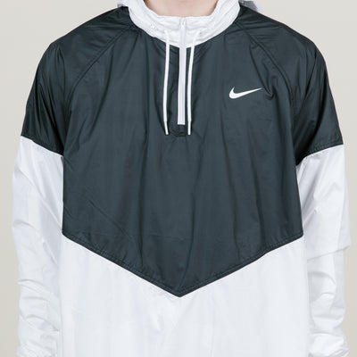 Nike SB Shield Seasonal Jacket (Black/White)