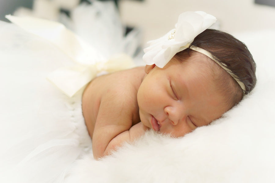 How to Take Stunning Photos of Your Newborn Baby