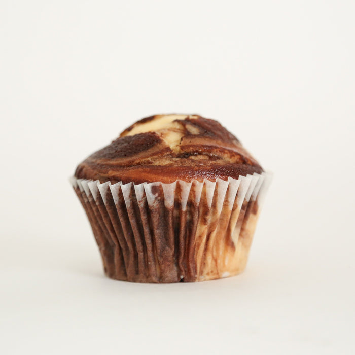 12 Naked Swirl Van/Choc Cupcakes 7cm (No 10 in sample box)