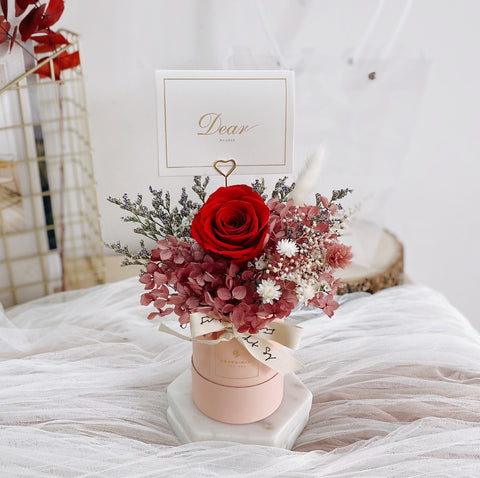 Pretty Mini Bloom Box in Pink Colour with Preserved Rose