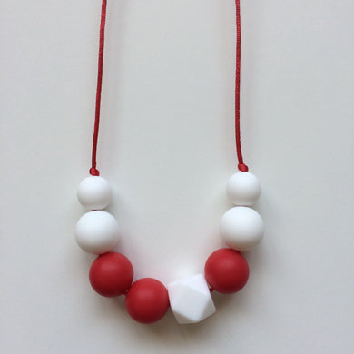 Jambu beads non-toxic silicone jewellery & teething accessories - Posy Kid's Necklace