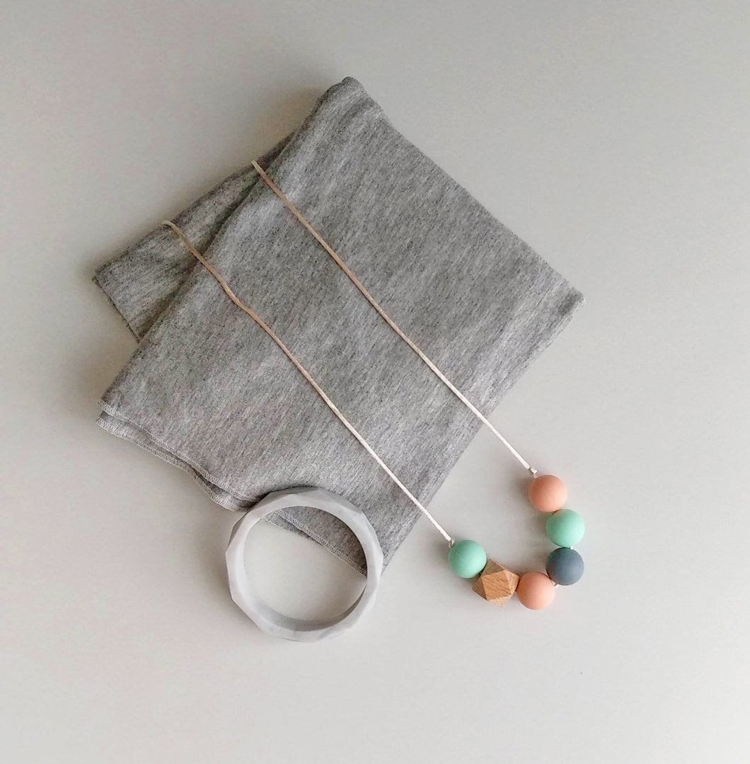 Jambu beads non-toxic silicone jewellery & teething accessories - Ophelia Necklace & Bangle Gift + Nursing Poncho Gift Set