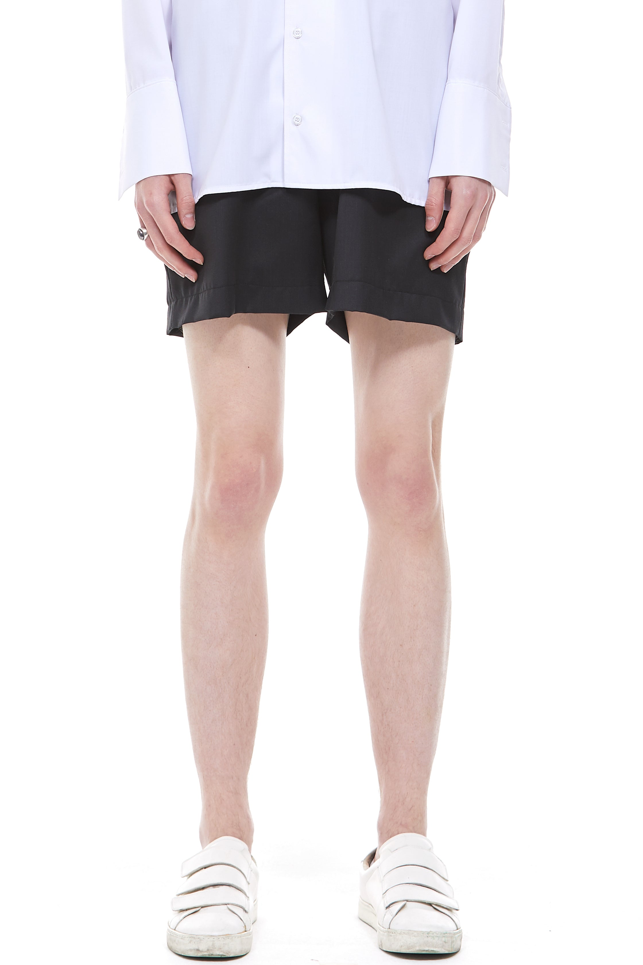 Banding Shorts in Black (Italian Wool)