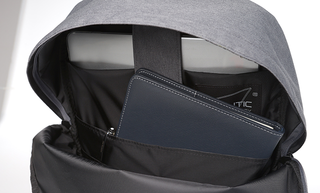 i3 Backpack in Black