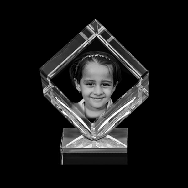Personalised photo 3D Crystal India | Personalized 3D Crystal printing | 3D Crystal Engraving