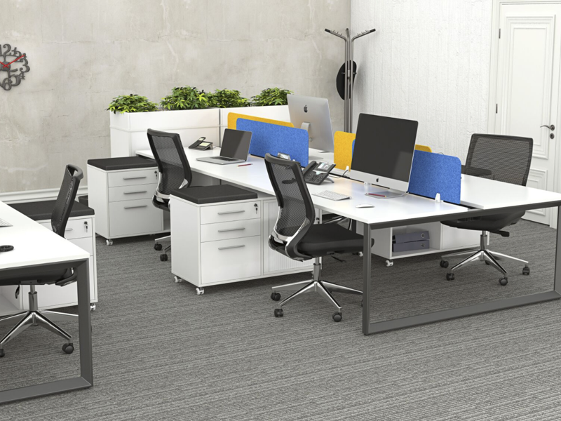 OVO 4 person Straight desk system