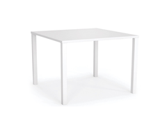 STANCE Table 900 x 900