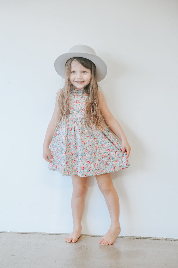 girl wearing two darlings floral summer dress