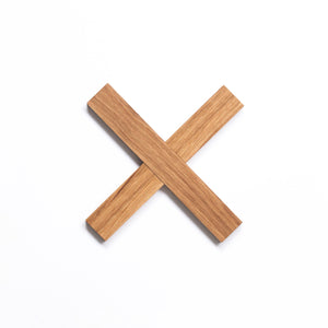 Simple cross trivet for nordic home by Minumo kuumaalus pliksplaks dessous de plat en bois