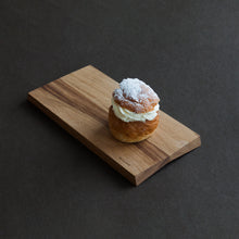 Load image into Gallery viewer, www.minumo.com vastlakukkel semla on the minimal wooden serving board fold nordic design Minumo