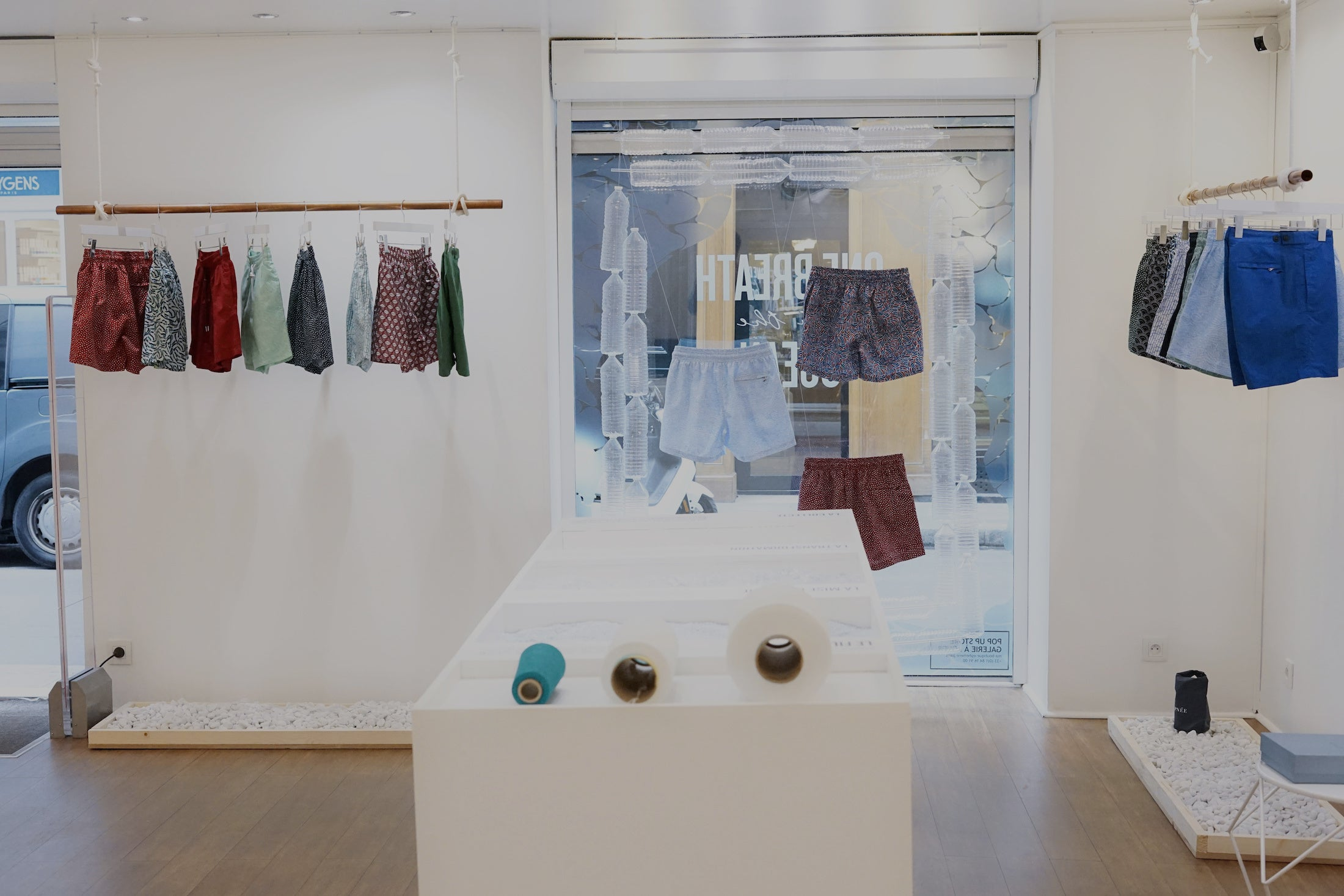 <br>POP-UP STORE