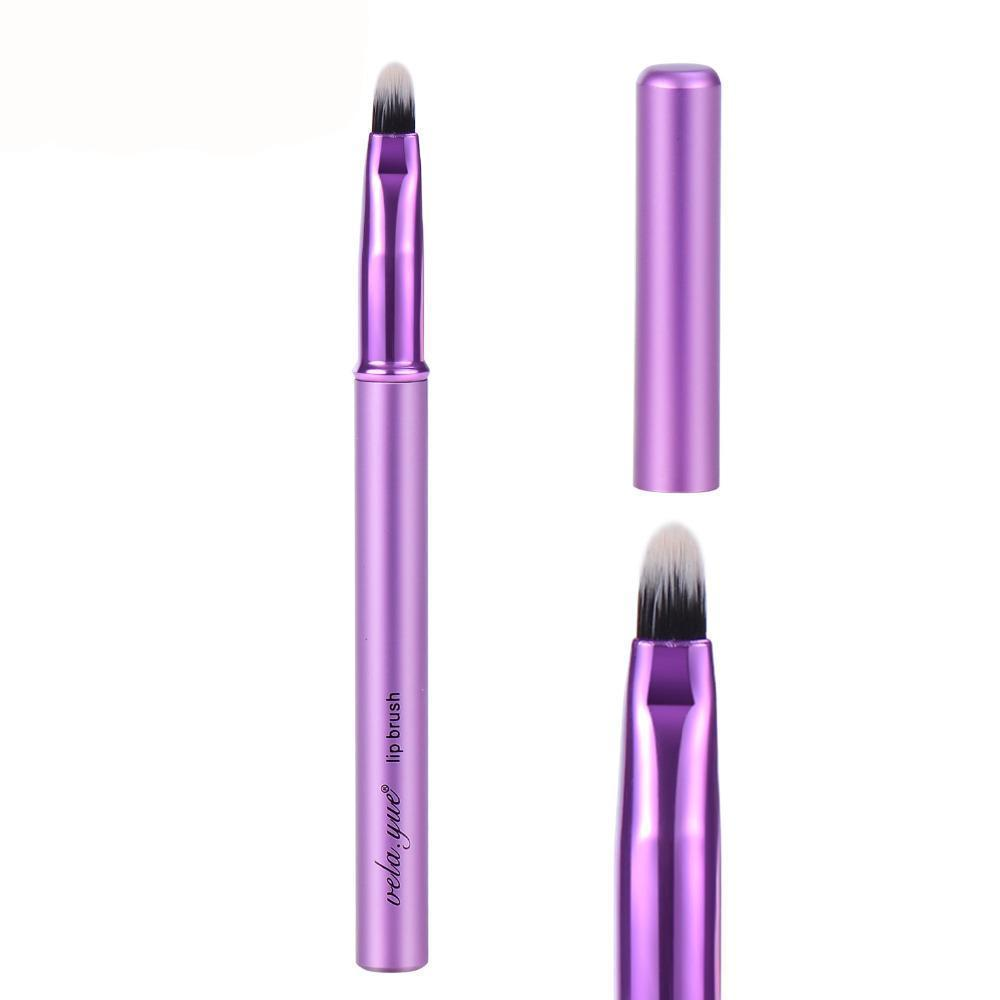 Retractable Violet Lip Brush With Aluminium Handle & Cover
