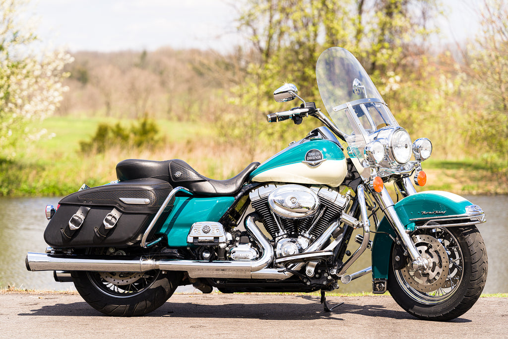 2009 Harley-Davidson Road King Classic FLHRC 2-Tone Chromed-Out w/ Extras!!