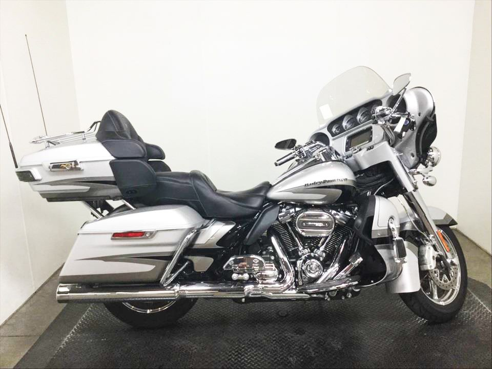 ***COMING SOON*** 2017 Harley-Davidson CVO Screamin' Eagle Ultra Classic Limited FLHTKSE 4,433 Mi!