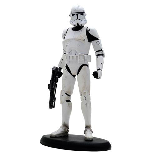 Star Wars Episode III: Revenge of the Sith - Classic Clone Trooper Cold-Cast Porcelain Statue 8