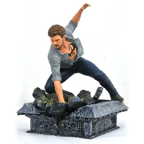 Marvel Comics TV Gallery Netflix Defenders Iron Fist Statue - Official Diamond Select :: Mental XS Online