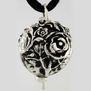 Flower Scent Locket Pewter Pendant (has chain)
